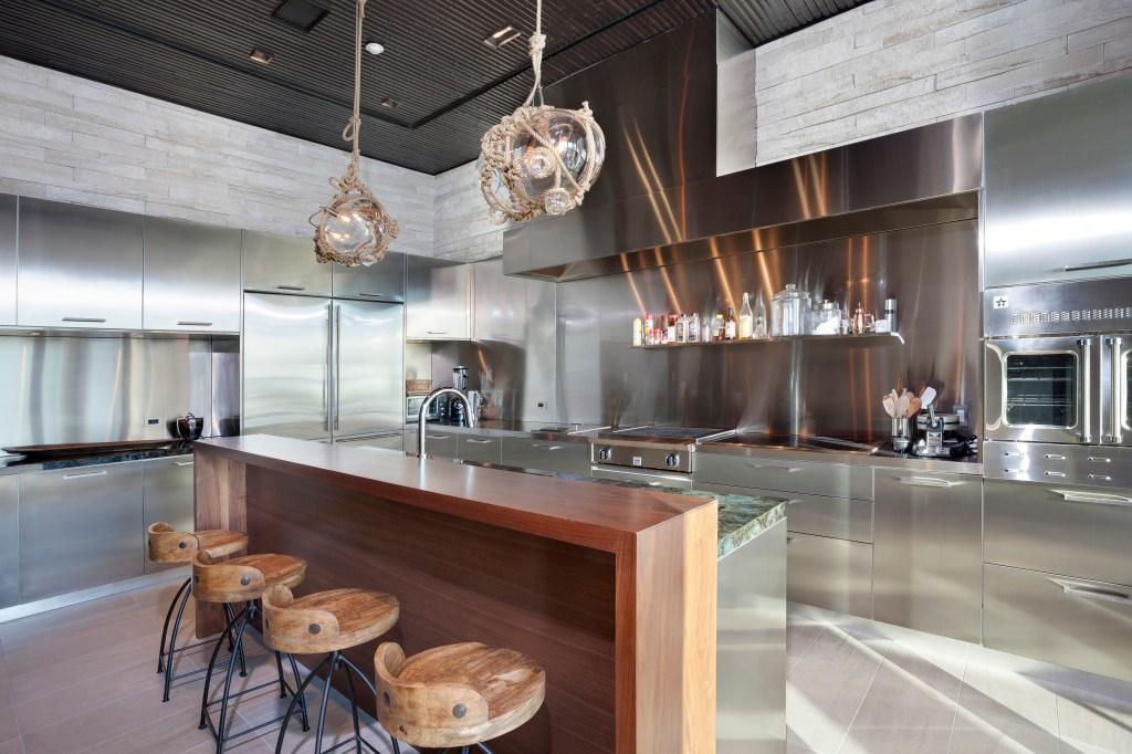 modern kitchen in Florida