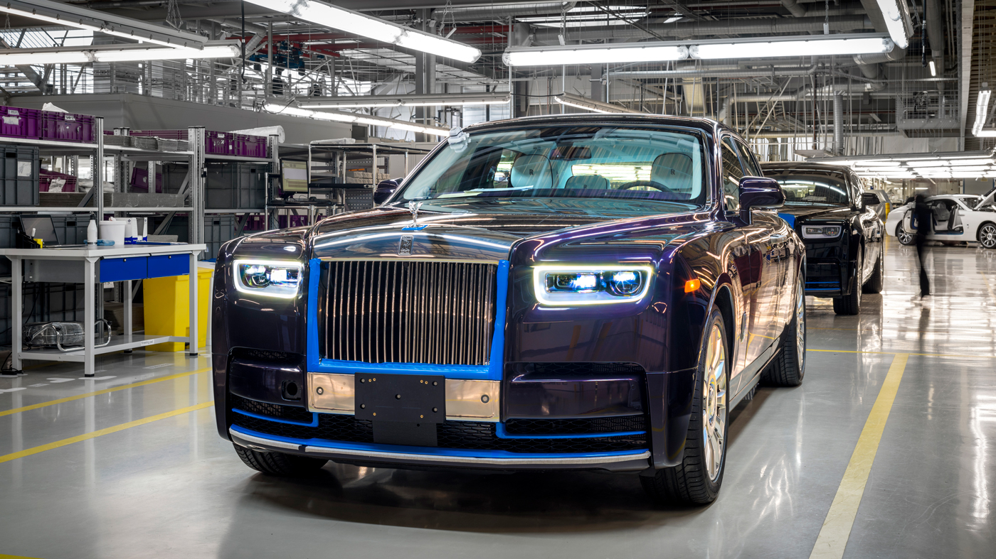The first standard wheelbase Rolls-Royce Phantom VIII will be auctioned at the 2018 Naples Winter Wine Festival.