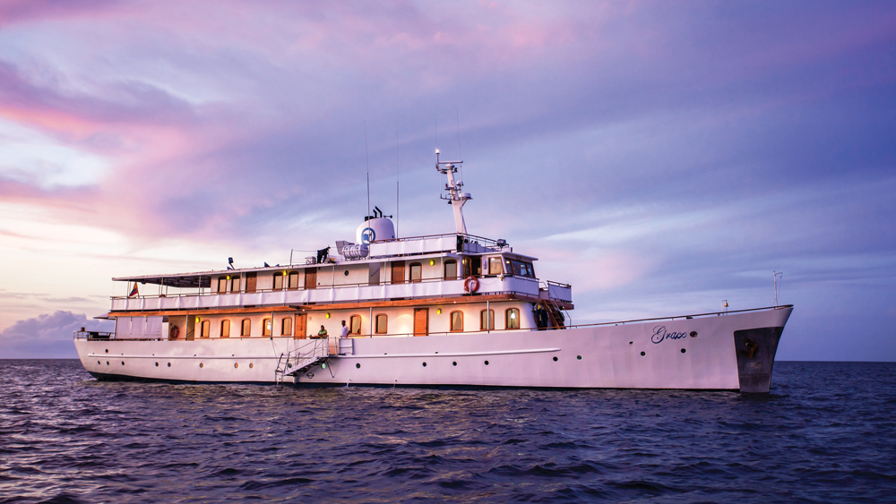 Quasar Expeditions Grace Yacht