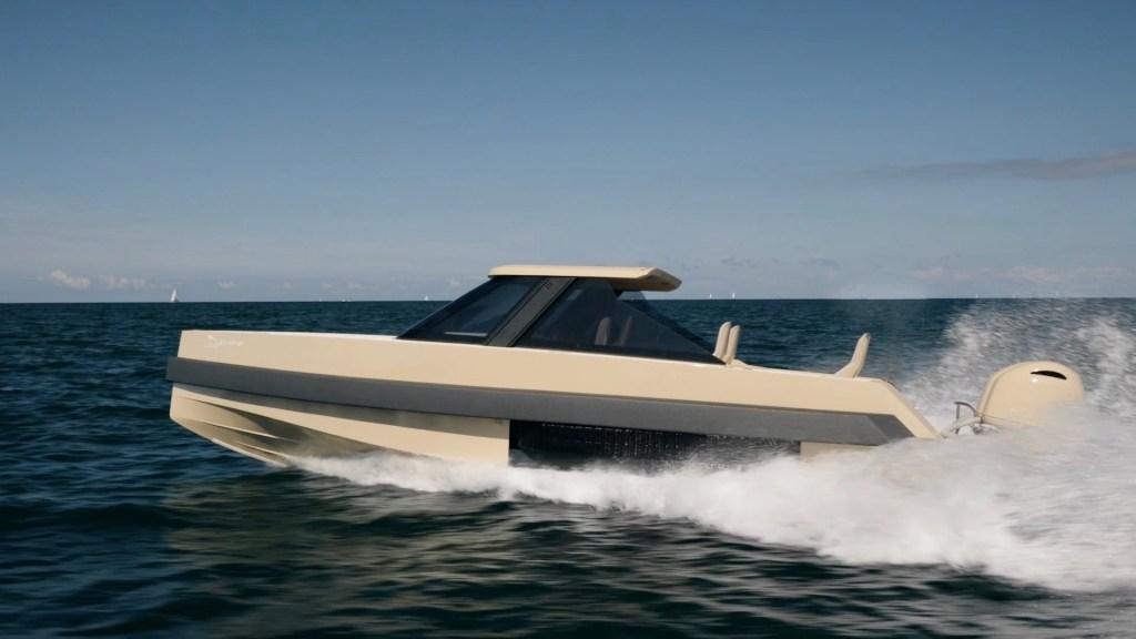 Iguana Commuter amphibious boat