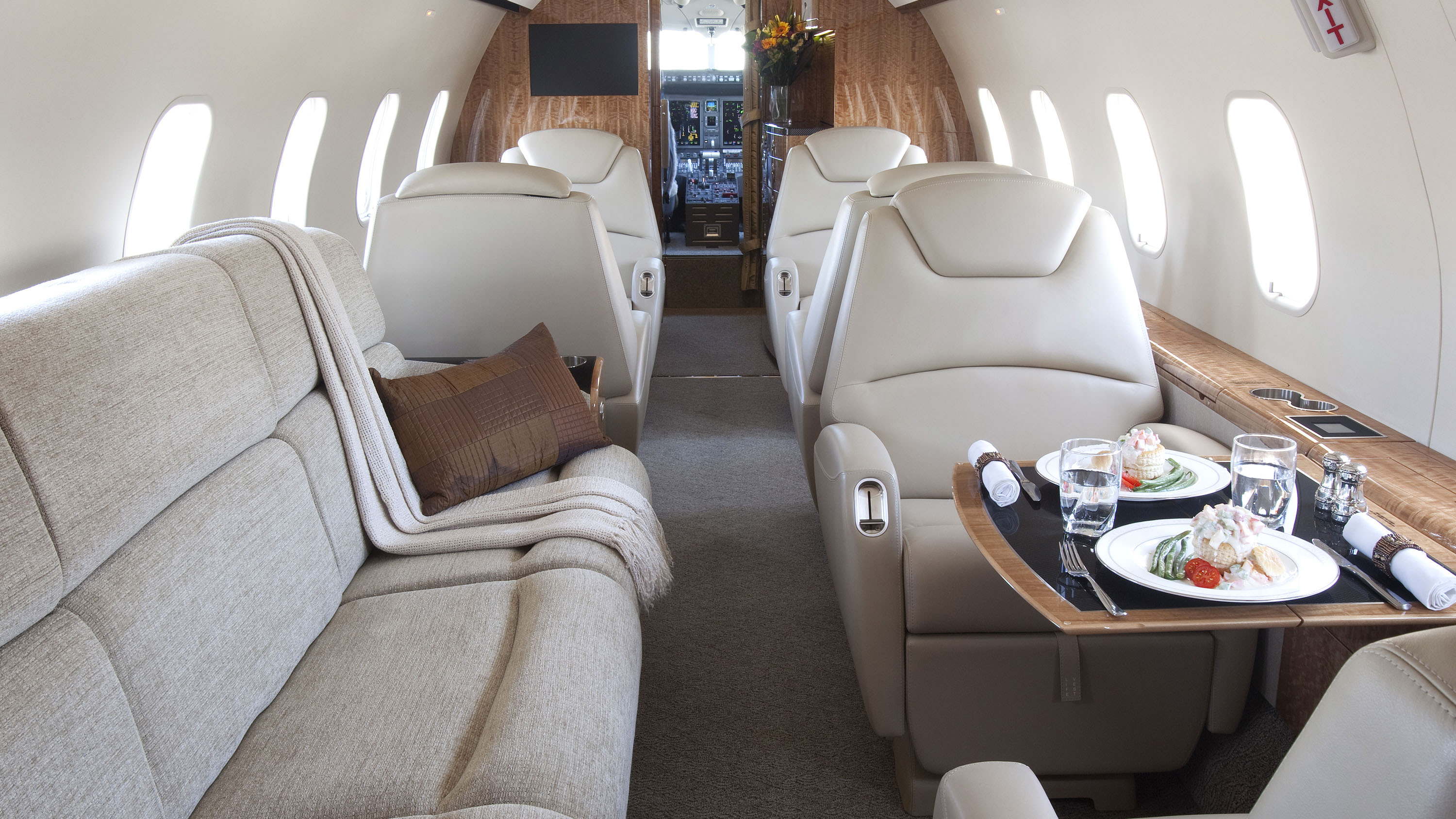 XOJet Bombardier Challenger 300 Super Bowl