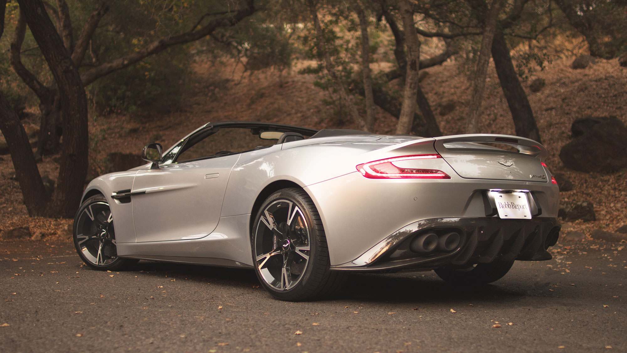 Aston Martin Vanquish S Volante The No 3 Robb Report Car Of The Year Robb Report
