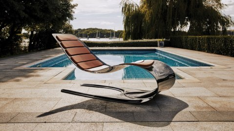Essence of Strength Chaise Longue