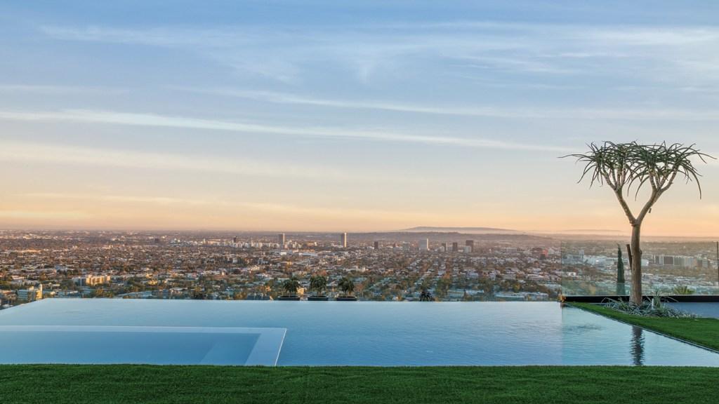 swimming pool overlooking Los Angeles