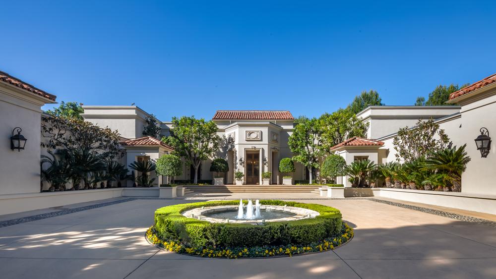Beverly Hills estate fountain