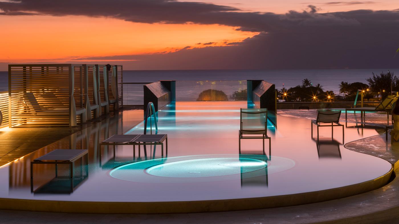 swimming pool in Hawaii
