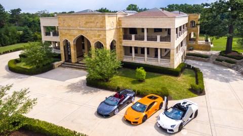Home in Burr Ridge, Illinois