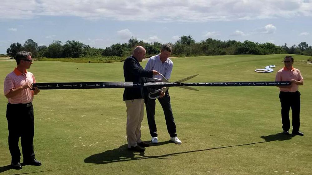 golf course ribbon-cutting
