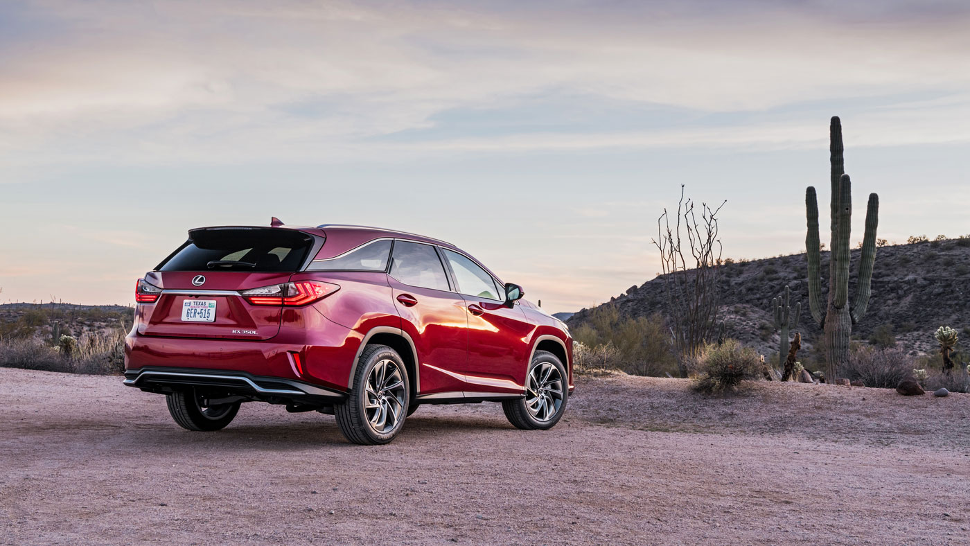 The Lexus RX 350L carries a3.5-liter V-6 that makes290 hp and churns out 263 ft lbs of torque.