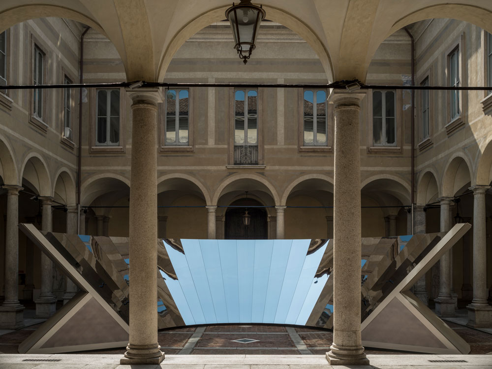 Phillip K. Smith and COS mirror installation in Milan