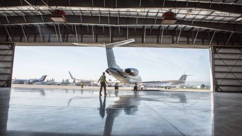 Jet Edge aircraft management private aviation gulfstream bombardier