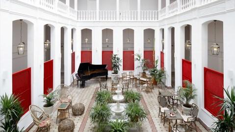 Splendid Palace atrium