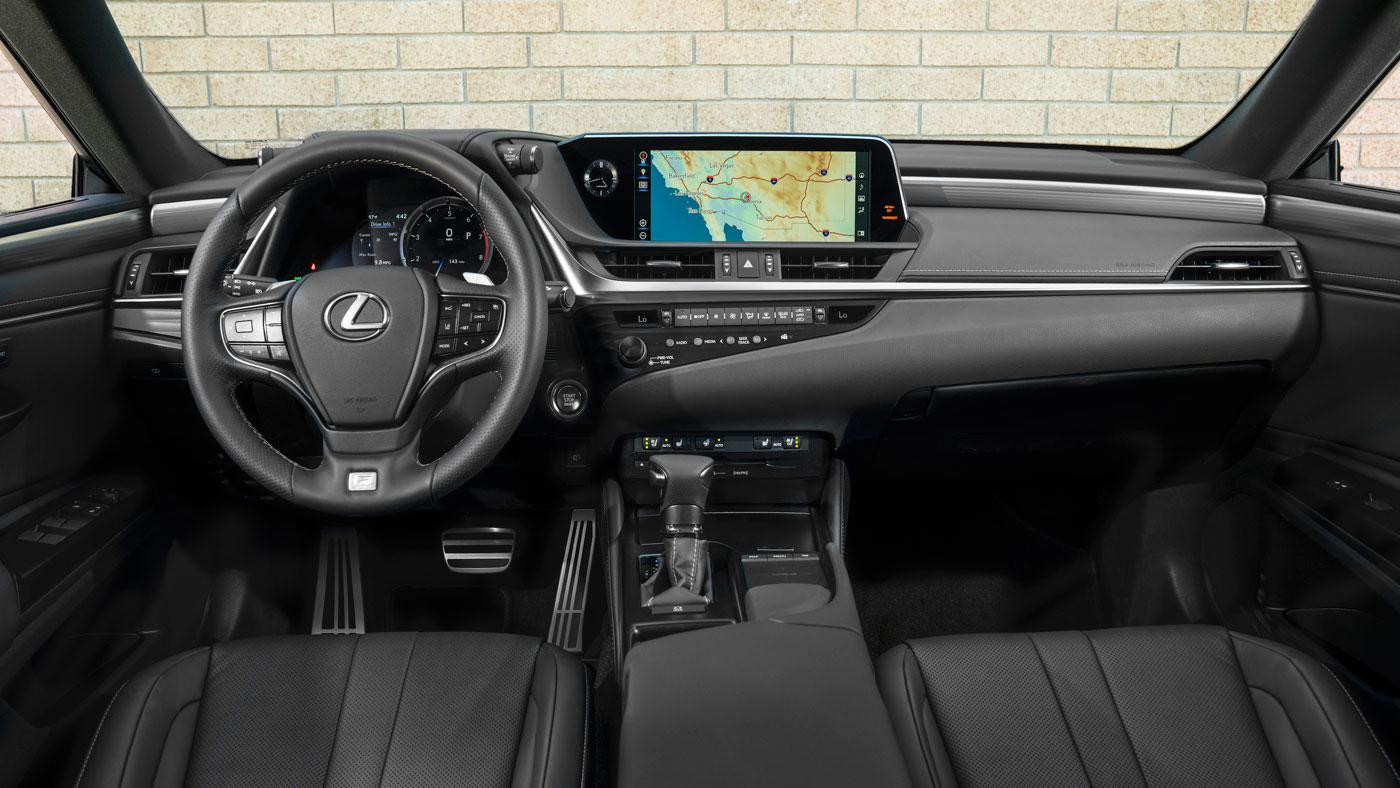 Inside the 2019 Lexus ES.