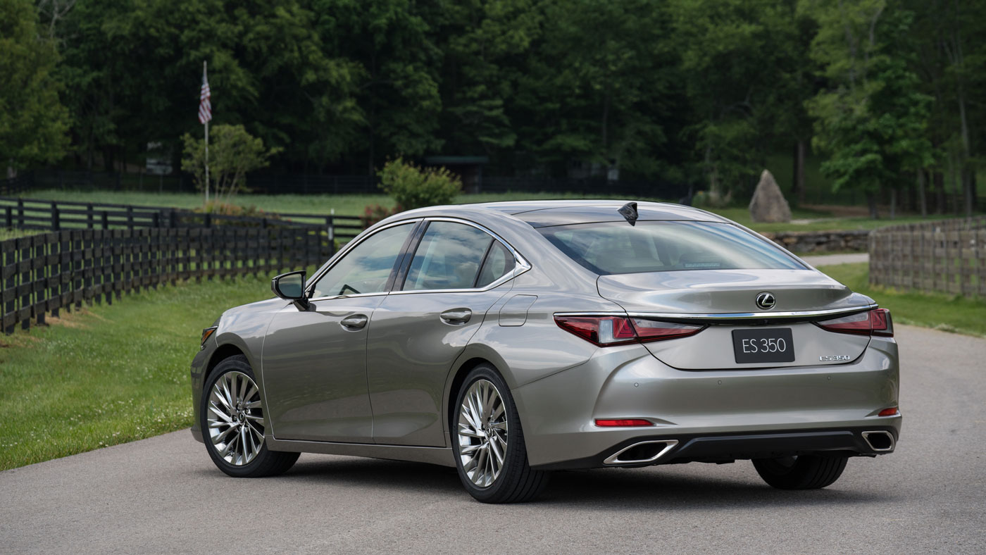 The 2019 Lexus ES 350.