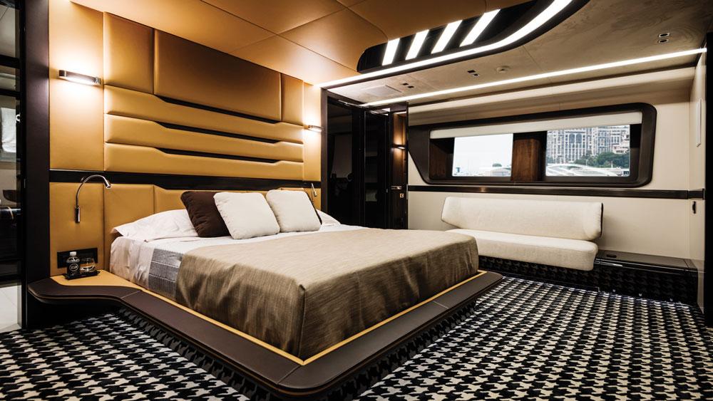 Dynamiq Get 115 yacht