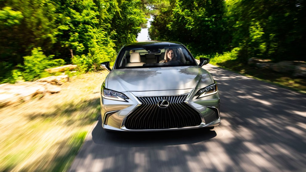 Driving the 2019 Lexus ES.