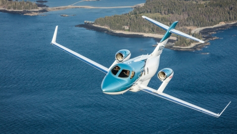 HondaJet Elite exterior flying