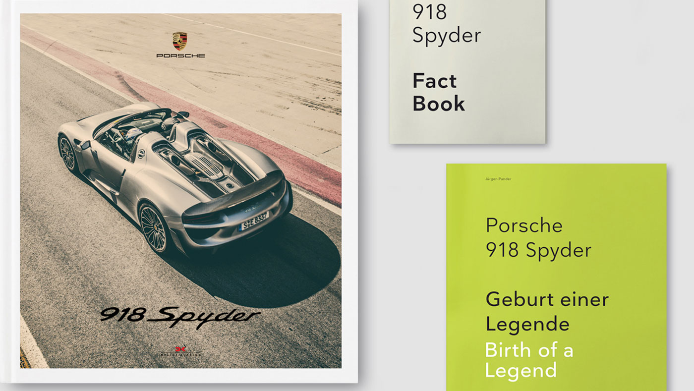 Contents of the box set for 918 Spyder, by Jürgen Pander.