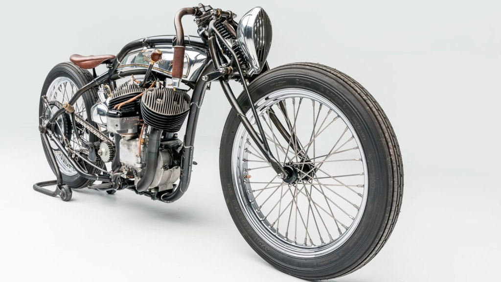 Custom motorcycle Suavecito by Sosa Metalworks.