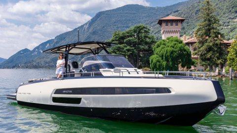 Invictus 370GT Special Edition Yacht Anna Fendi