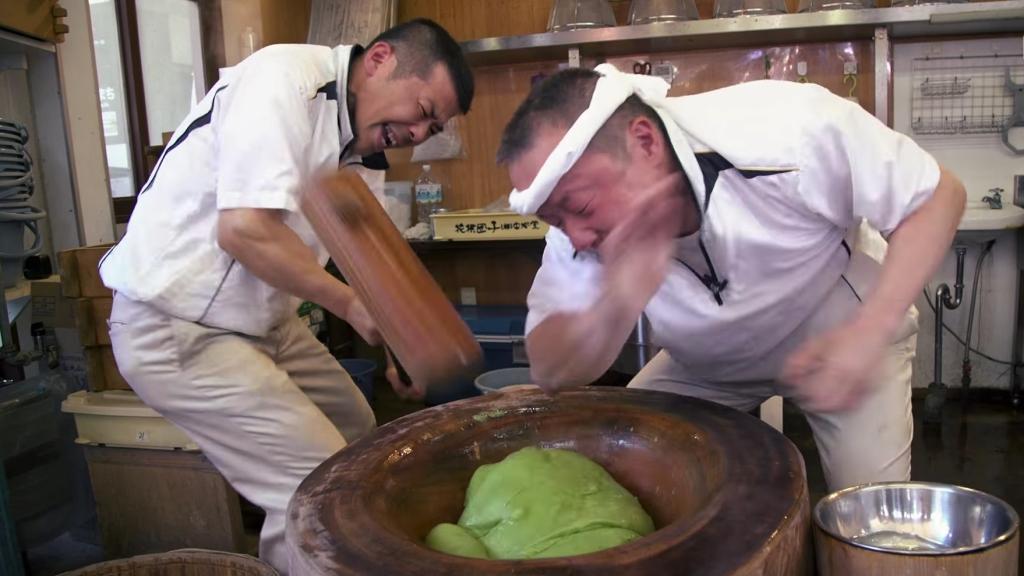 mochi making japan