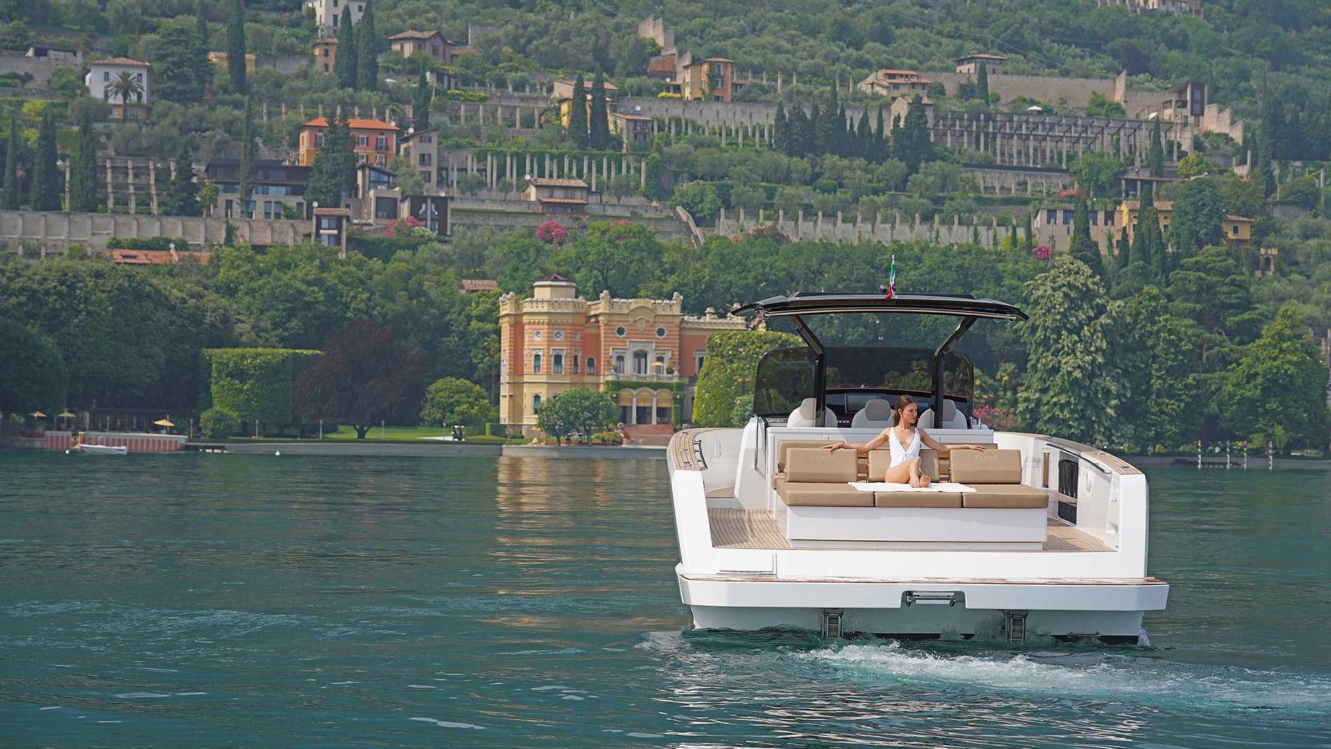 Pardo 43 Commuter Yacht