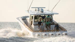 HCB Estrella Center-Console Yacht