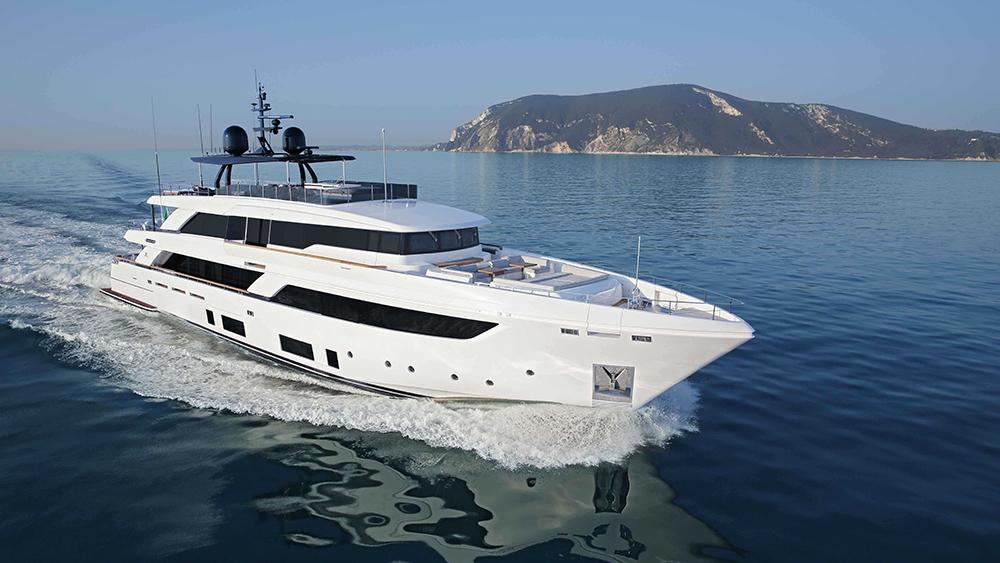 Custom Line Navetta 42 yacht