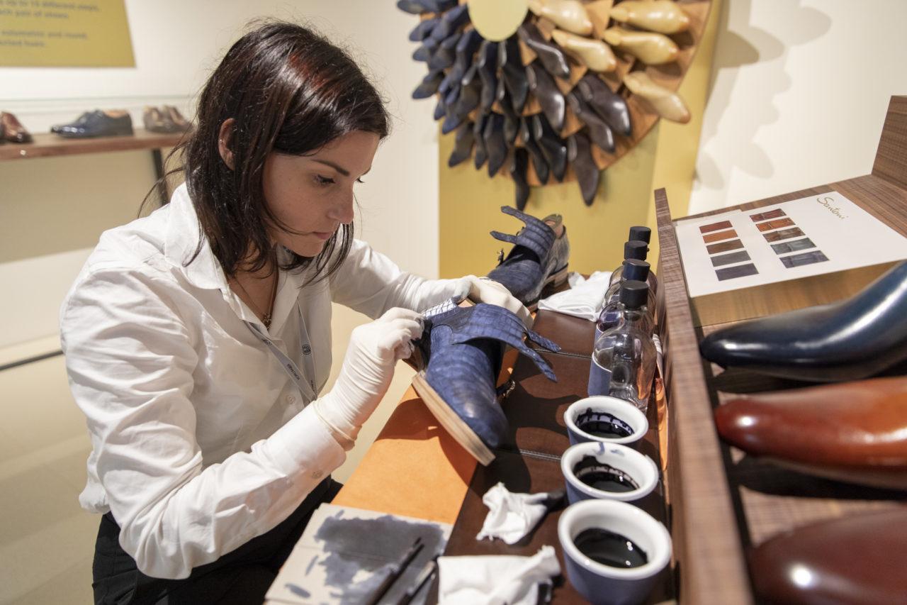 Santini Shoemaking Artisan Laura Bevilacqua.