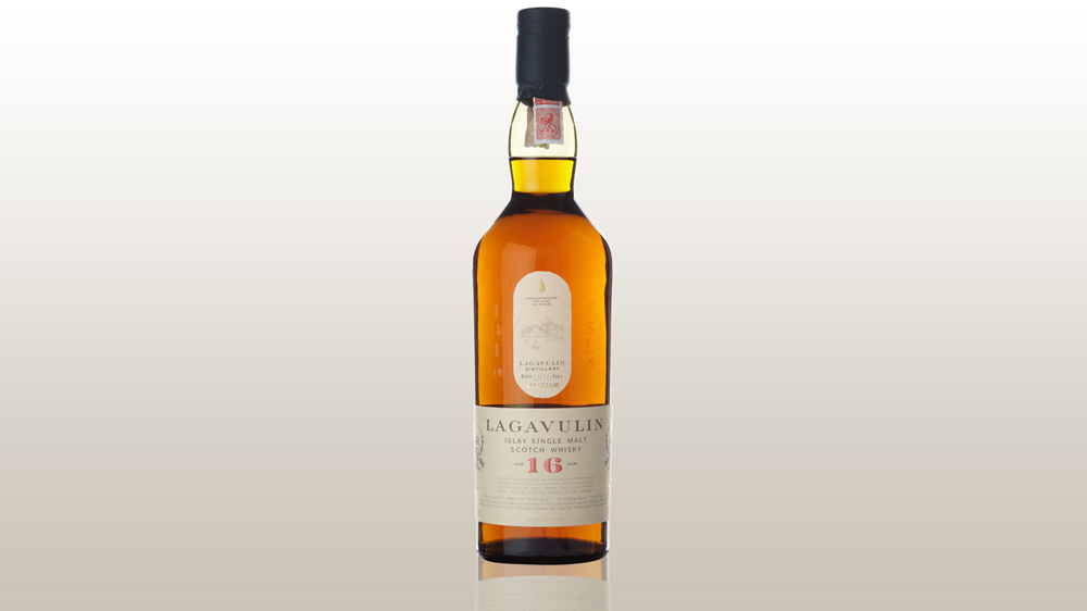 Lagavulin 16 Years Old scotch whisky