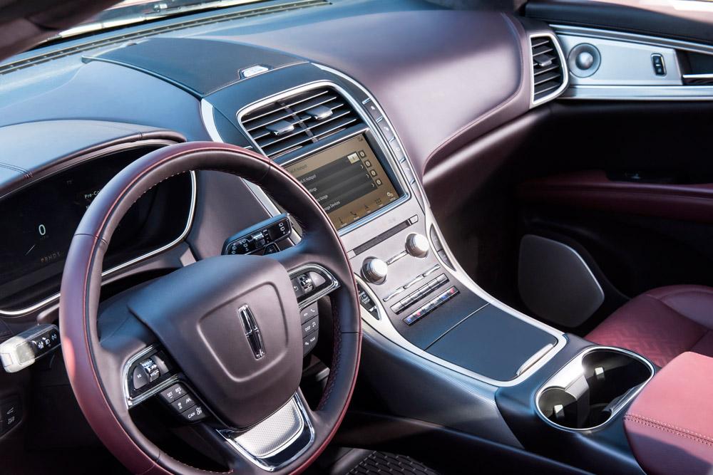 Interior of the 2019 Lincoln Nautilus.