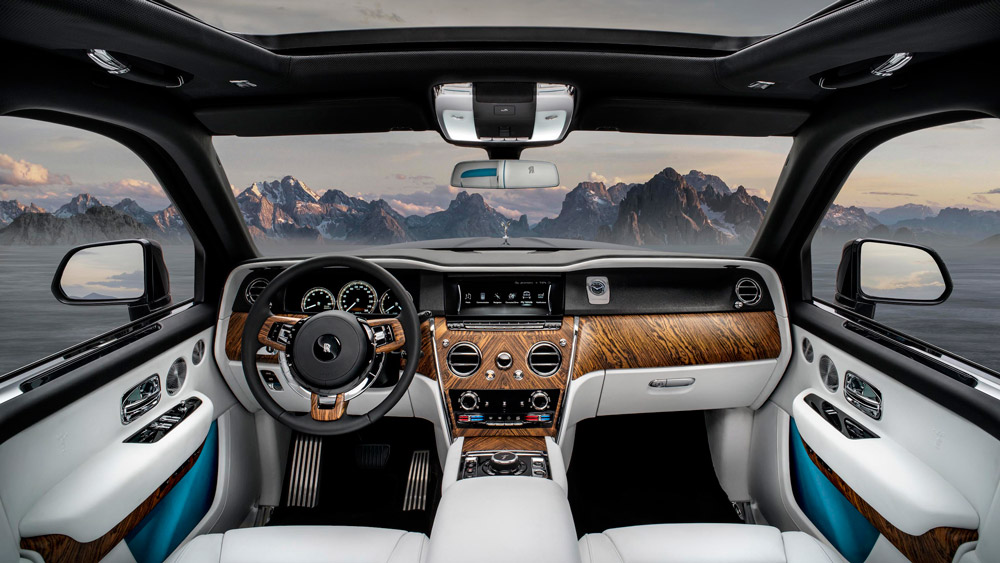 The interior of the Rolls-Royce Cullinan.