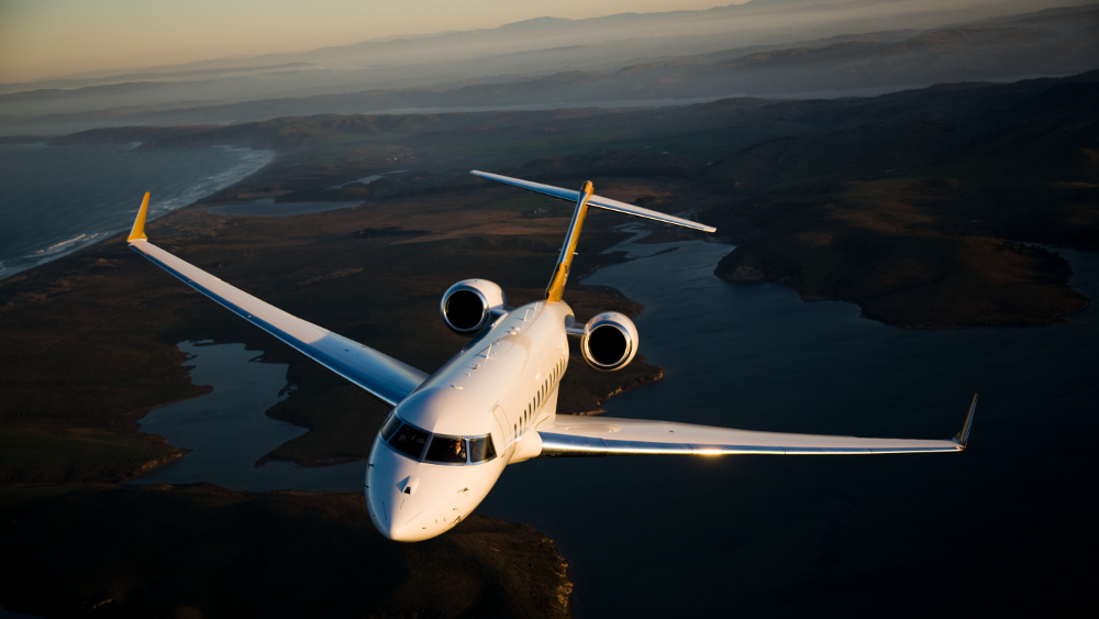 PrivateFly Bombardier Global 6000