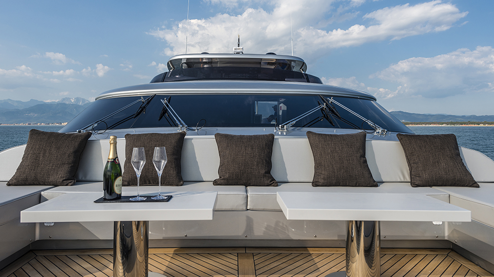 Maiora Sands charter yacht Camper & Nicholsons