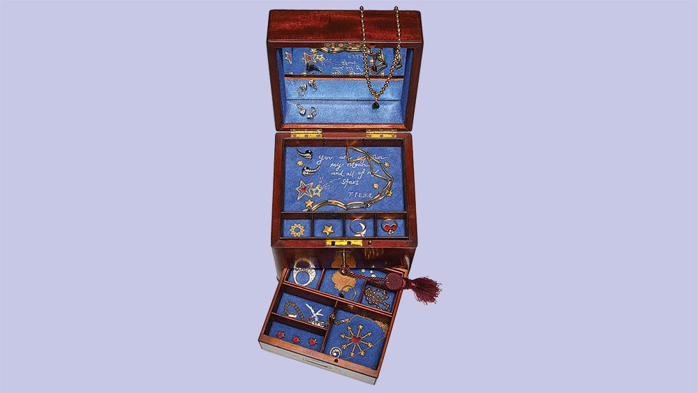 Jessica McCormack Custom jewelry box