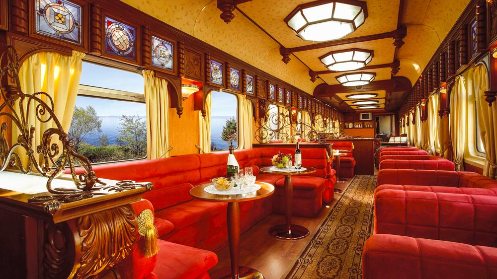 Golden Eagle train lounge car