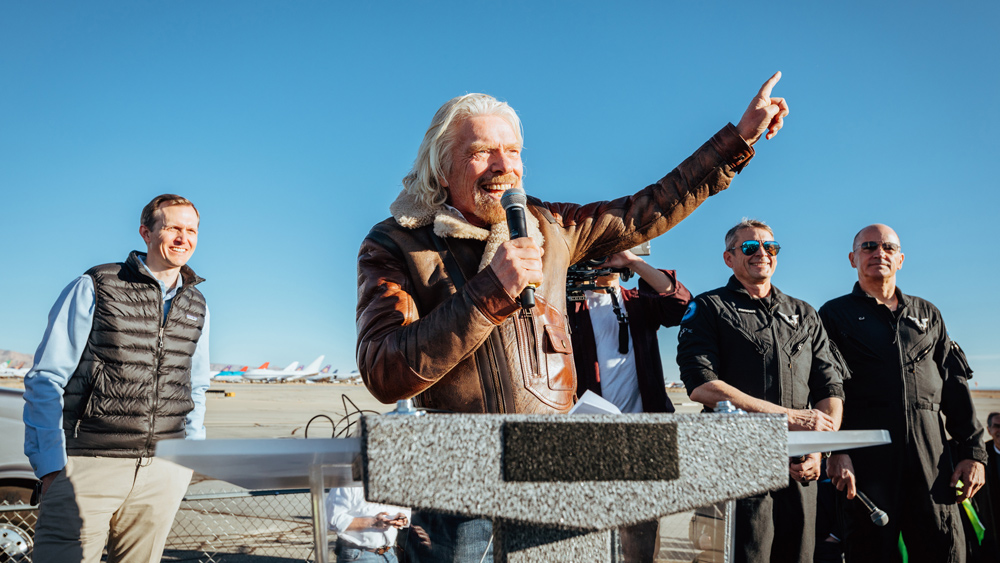 Richard Branson celebrates first Spaceflight