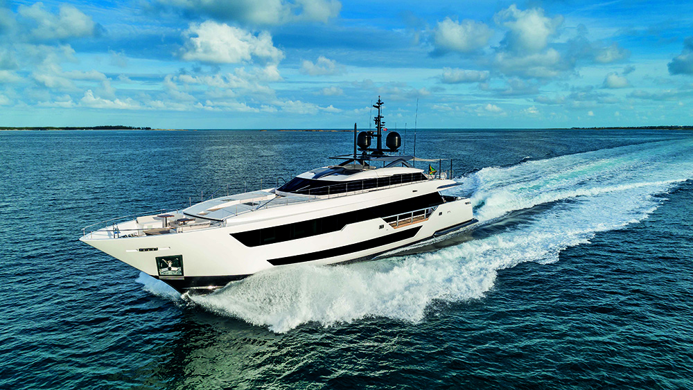 Custom Line Vista Blue superyacht