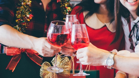 How to give the right gift for your holiday party