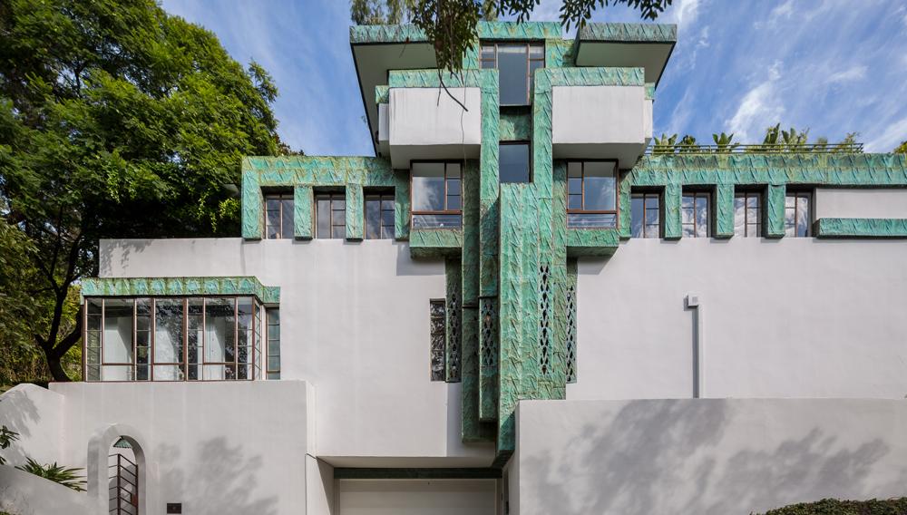 Lloyd Wright's Samuel-Novarro House in Los Feliz, California