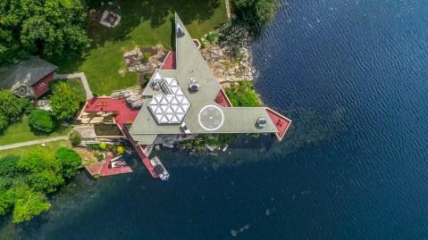 NYC Island Mansion
