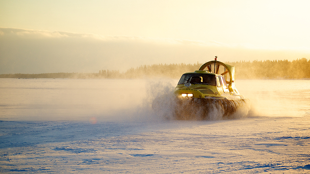 hovercraft snow Sweden Lapland