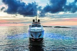 Fraser Vista Blue Custom LIne Superyacht charter