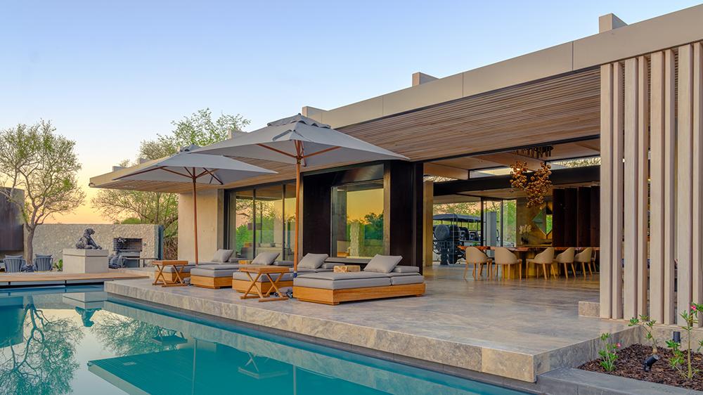 swimming pool luxury villa Africa safari