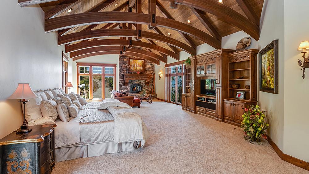 lottery winner home california