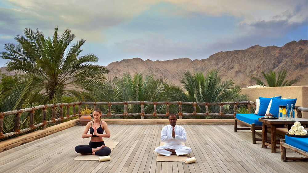 yoga in Oman view of mountains