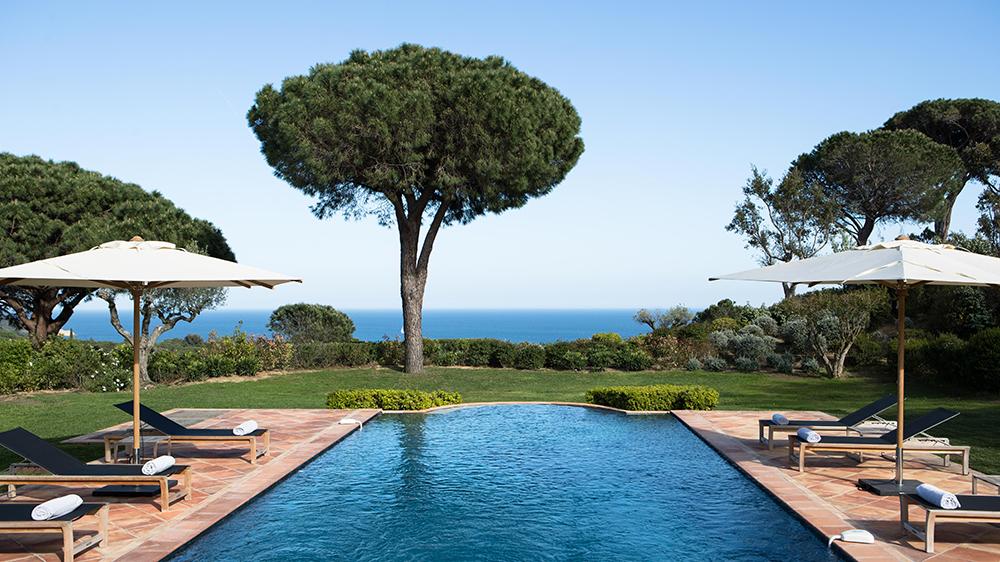 Pool overlooking sea in Ramatuelle