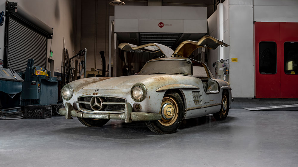 "Mercedes-Benz 300 SL ""Gullwing"" twins"