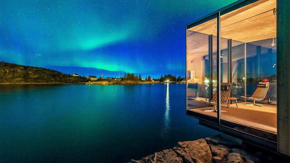 northern lights lofoten islands Norway aurora borealis