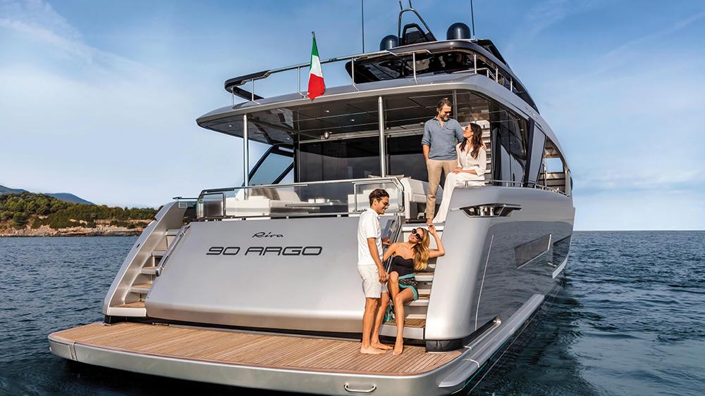 Riva 90 Argo flybridge yacht